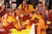 Дээрхийн гэгээнтэн Далай лам Гоман дацанд шавилан суралцаж буй Монгол хувилгаадтай уулзав. 2011 оны 2 сар