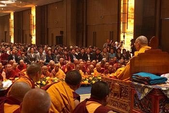 Дээрхийн Гэгээнтэн Далай лам Дели хотноо Оросын буддистуудад ном айлдлаа- Эхний өдөр