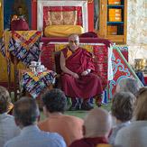 """Дээрхийн Гэгээнтэн Далай лам 26 дахь удаагийн """"Оюун ухаан ба Амьдрал"""" уулзалтад оролцохоор Мундгод хотноо хүрэлцэн ирэв"""