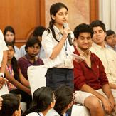 Дээрхийн Гэгээнтэн Далай Лам Нью Делид залуу үе болон ахмад насныхантай уулзав