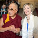 Дээрхийн Гэгээнтэн Далай Лам Бернийн Их Сургуульд илтгэл тавьж Швейцарийн Парламентэд айлчлав